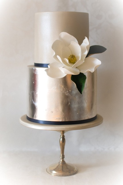 gray metallic cake silver wedding flower