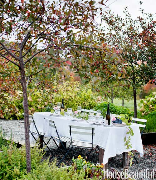 Deirdre Heekin Caleb Barber country cottage House Beautiful outdoor table white dining