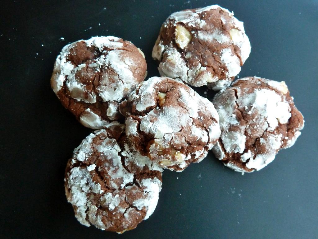 crack ups chocolate cookie walnut dessert Christmas