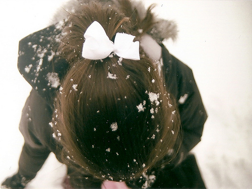 bow hair snow
