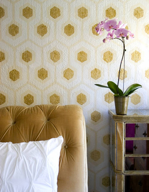 gold wall painted honeycomb bed