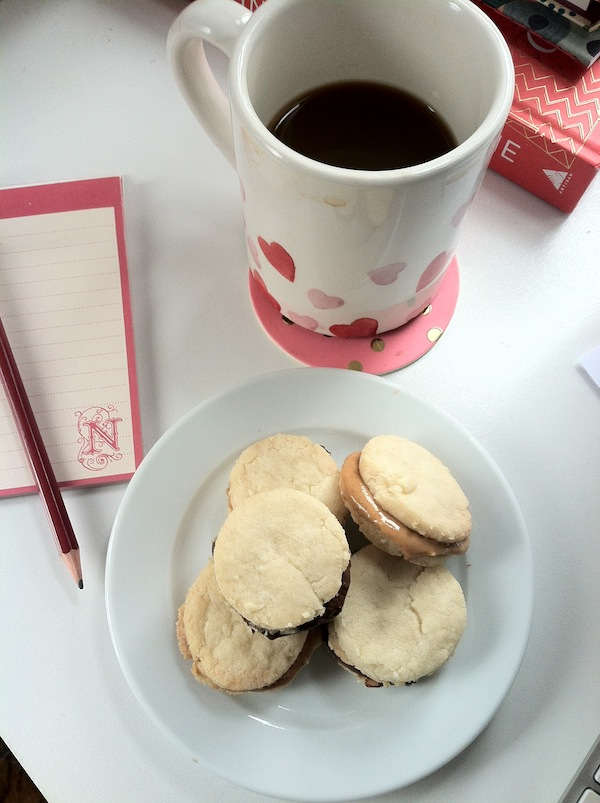 shortbread cookies with nutella and peanut butter