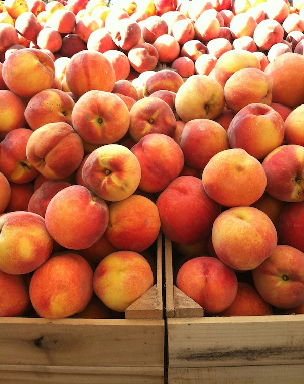 summer farmer's market peaches