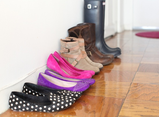 Cupcakes for Breakfast: DC studio apartment tour  shoes