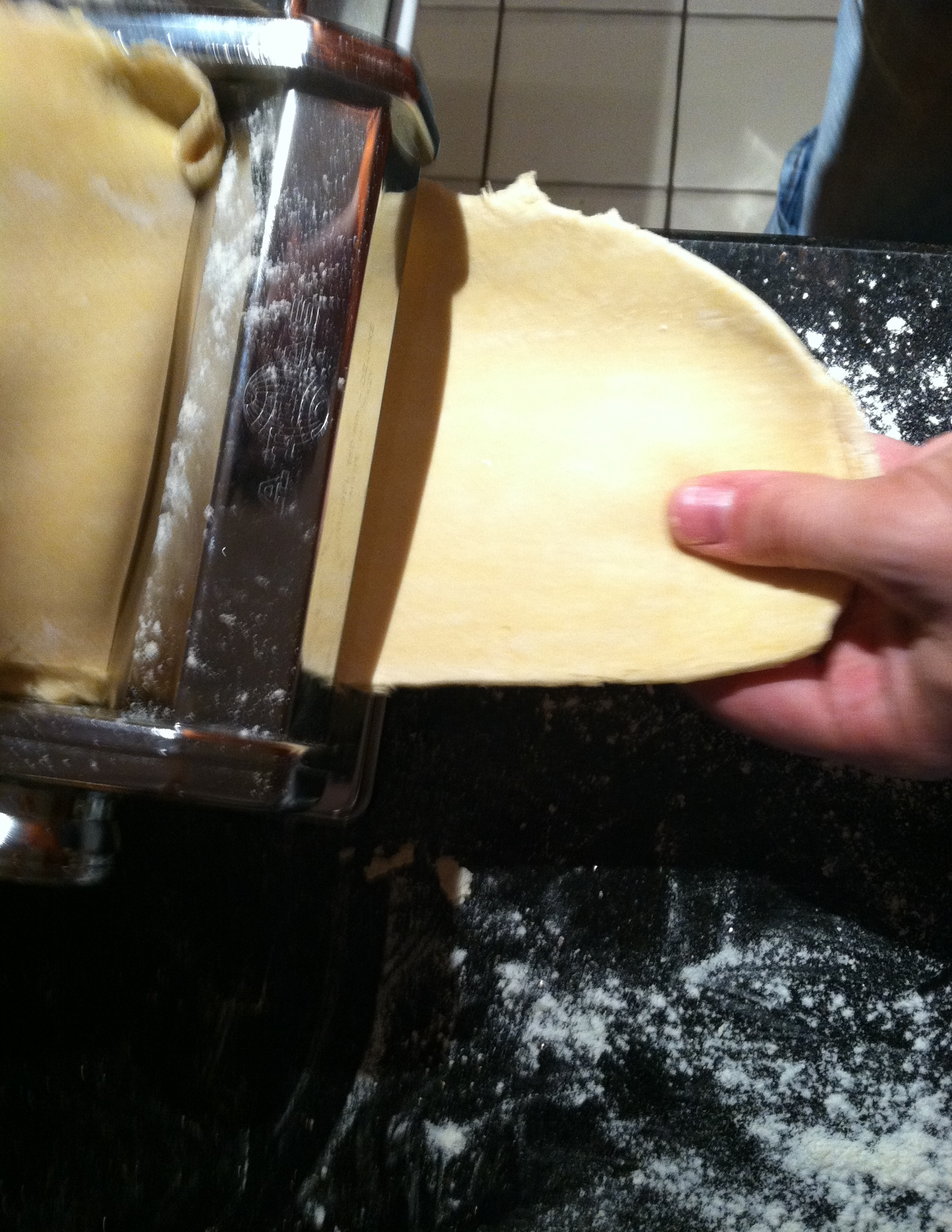 Cupcakes for Breakfast: rolling out homemade pasta