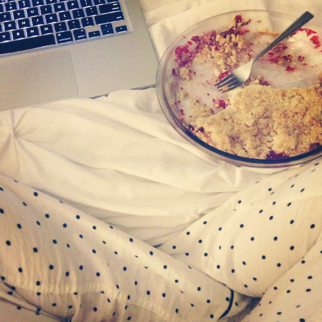 Cupcakes for Breakfast: strawberry rhubarb crumble in bed