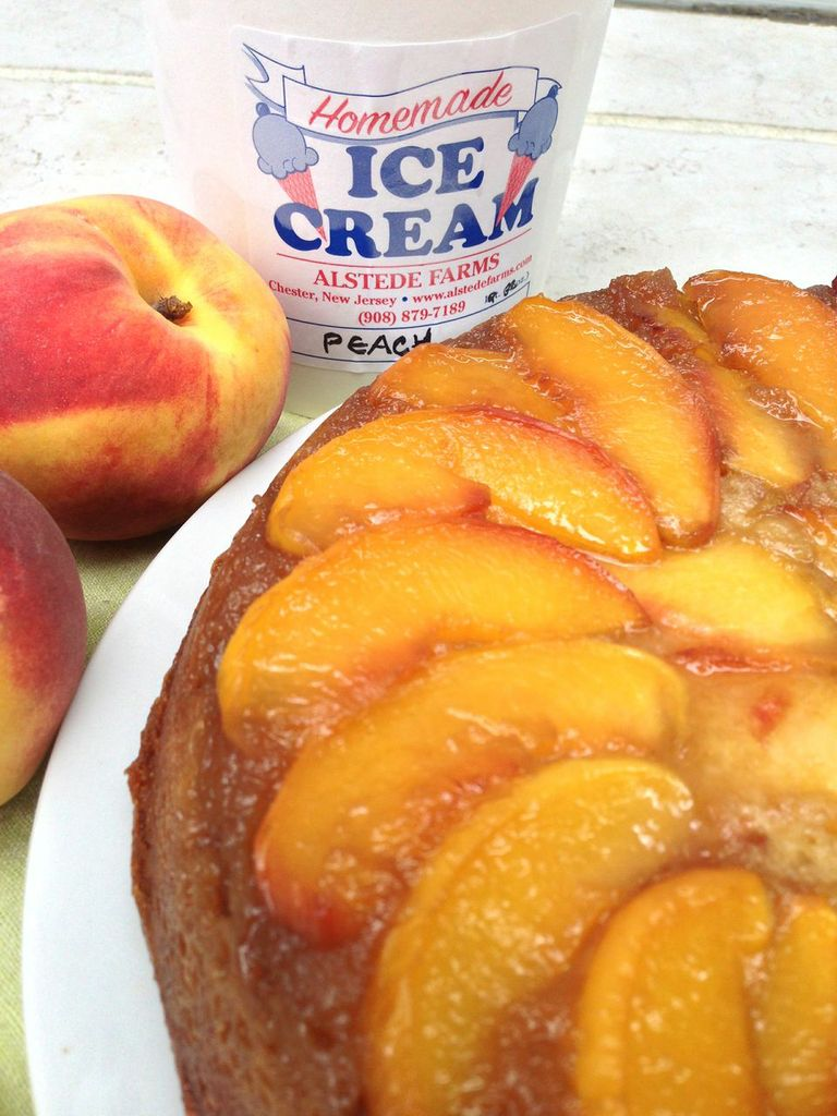 Cupcakes for Breakfast: peach cake and peach ice cream