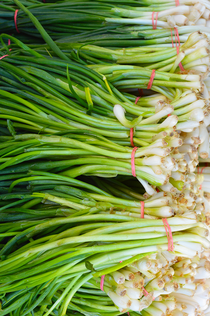 Cupcakes for Breakfast: Farmer's Market Mornings – Spring Onion